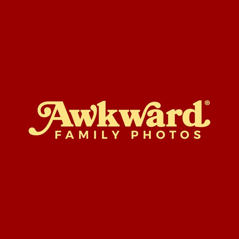 Prepare to Cringe at AwkwardFamilyPhotos.com