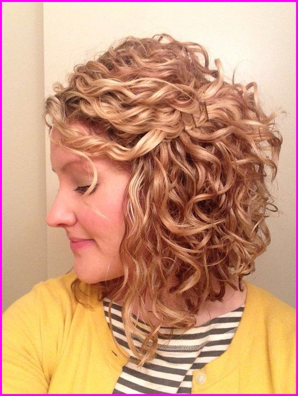 Best Short Haircuts For Curly Hair Round Face 2019 Check These Latest Curly Short Curled Bob Hairstyle Natural Curls Hairstyles Curly Hair Styles Naturally