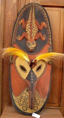 Rare Used Nice wood Mask Bird Feather paradise Papua NG Tribal wood carved