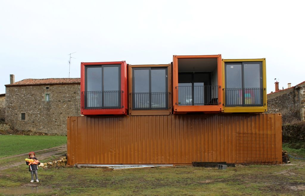 Vivendas modulares el ejemplo de una vivienda en for Arquitectura contenedores maritimos