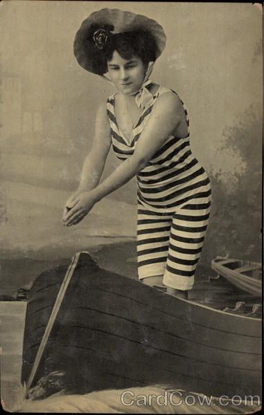 Vintage Bathing Beauties Photos and Premium High Res
