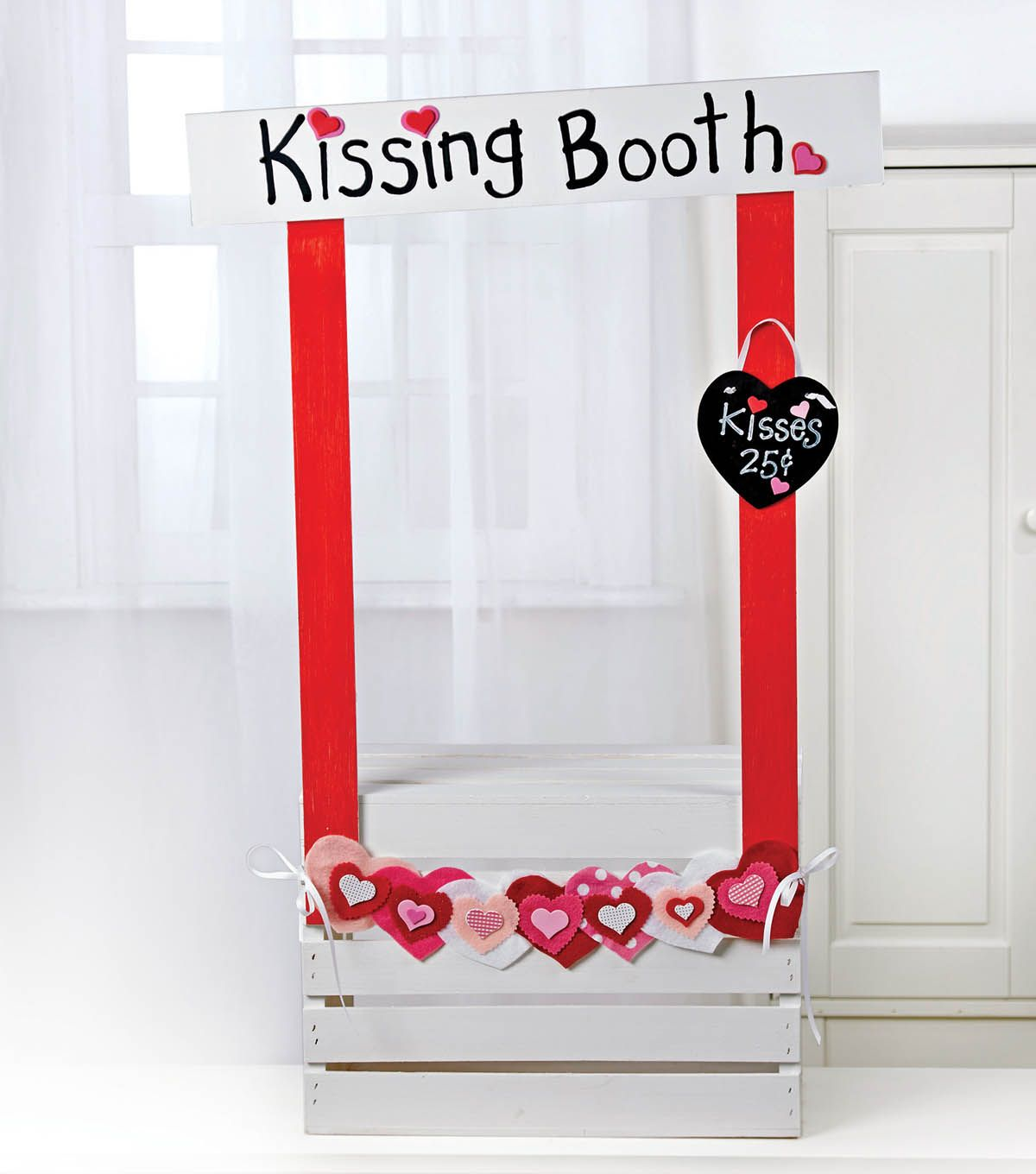 Valentine Gift Idea 2 Home Decor Frame Layout: Create A DIY Kissing Booth, Great For Photo Props And
