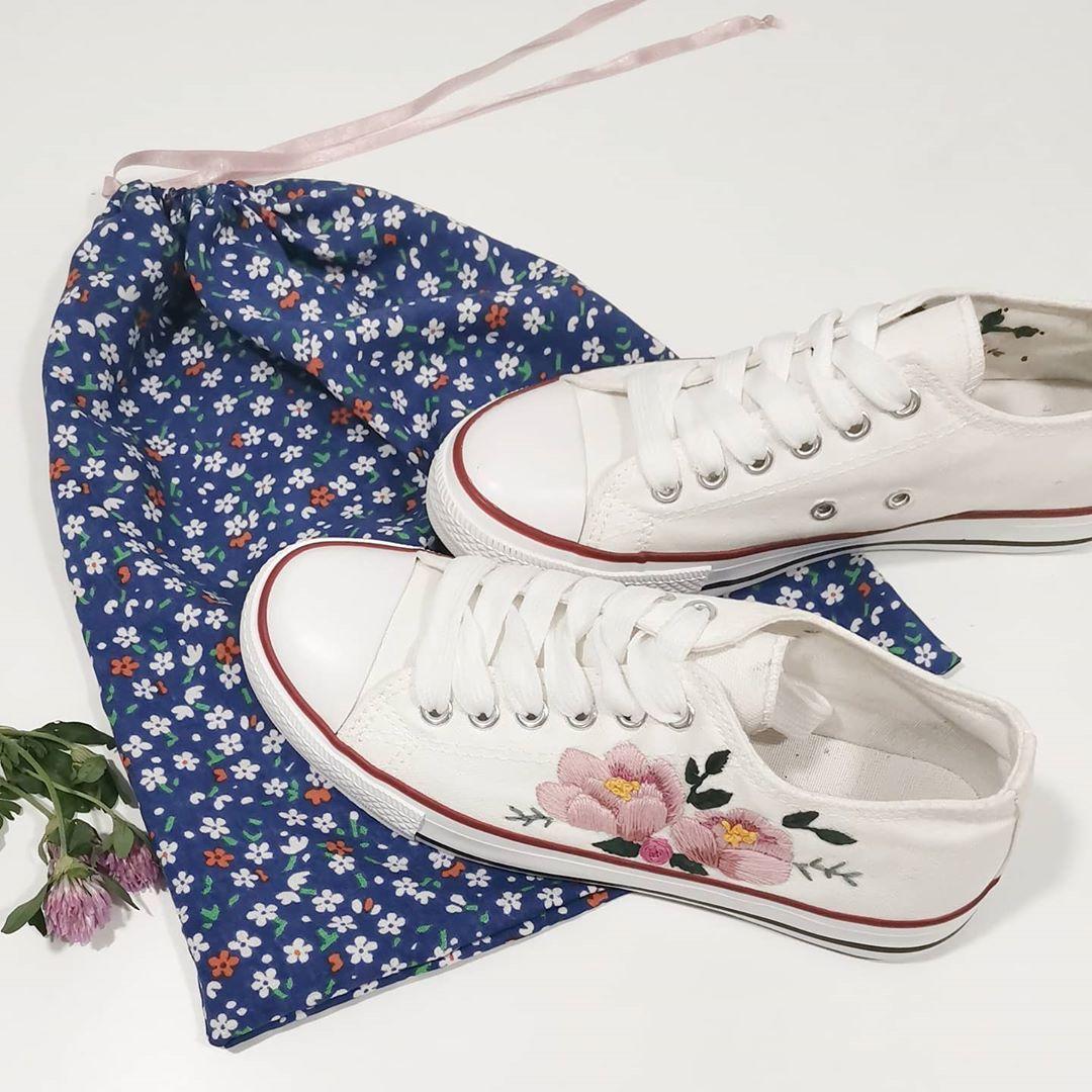 Polubienia 37 Komentarze 2 Handmade Embroidery Hoop Studio Na Instagramie Dzien Dobry Superga Sneaker Sneakers Embroidery