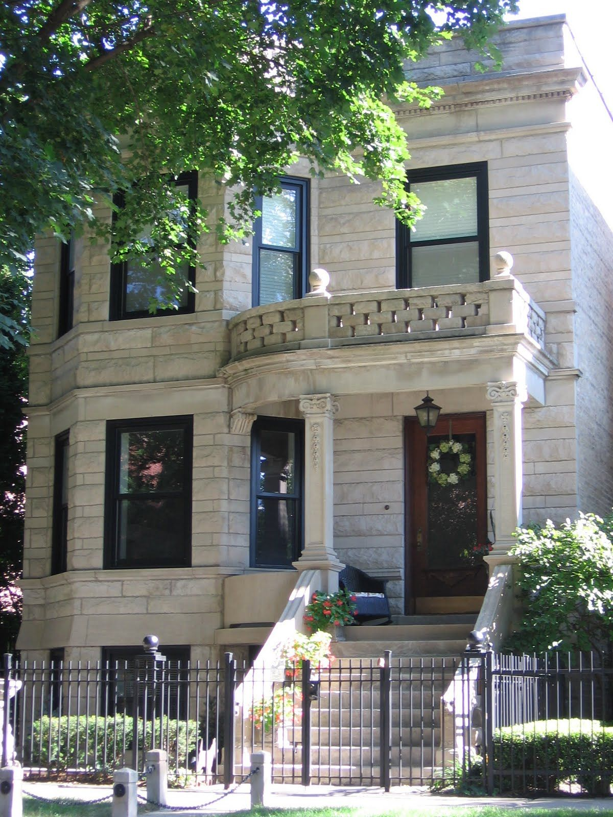 Greystone In Chicago Something About The Way These Houses Look I Just Love Brownstone Homes Chicago Buildings Architecture