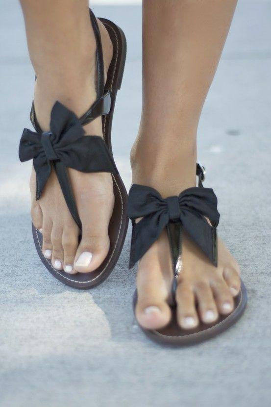 c700dd72620f Cute black bow tie sandals
