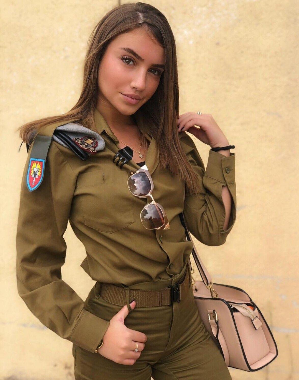 Пиздой лезли в военной форме фото