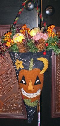 HALLOWEEN GREETINGS  Primitive Penny Rug   Filled Hanging Cone