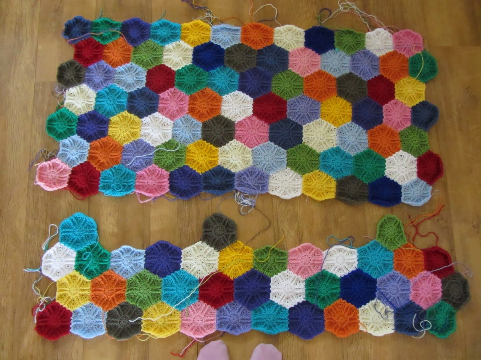 Busy fingers, busy life...: Hexagon Love!