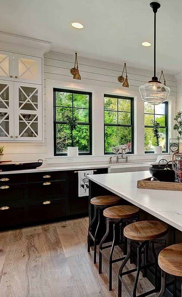 Black And White Kitchen Ideas Combine With Wood Floor In 2020 Modern Farmhouse Kitchens Home Decor Kitchen Rustic Kitchen