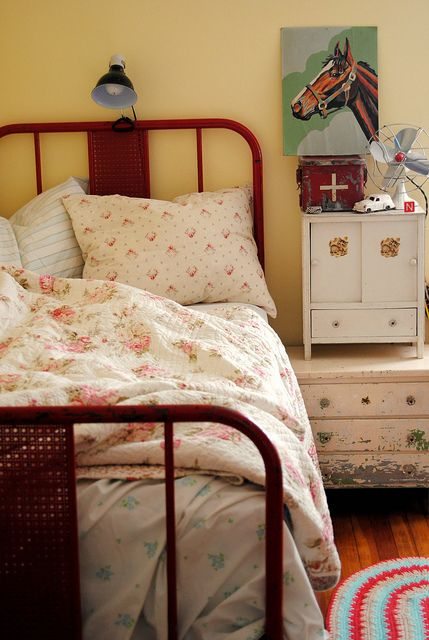 lovely vintage bedroom Granny Chic Pinterest Dormitorio, Camas - decoracion recamara vintage