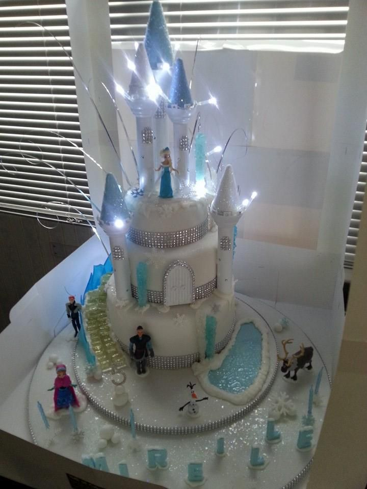 Frozen Castle Cake With Light Up Castle And Edible Quot Ice