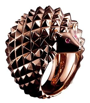 A glam hedgehog from the Boucheron Animals collection.