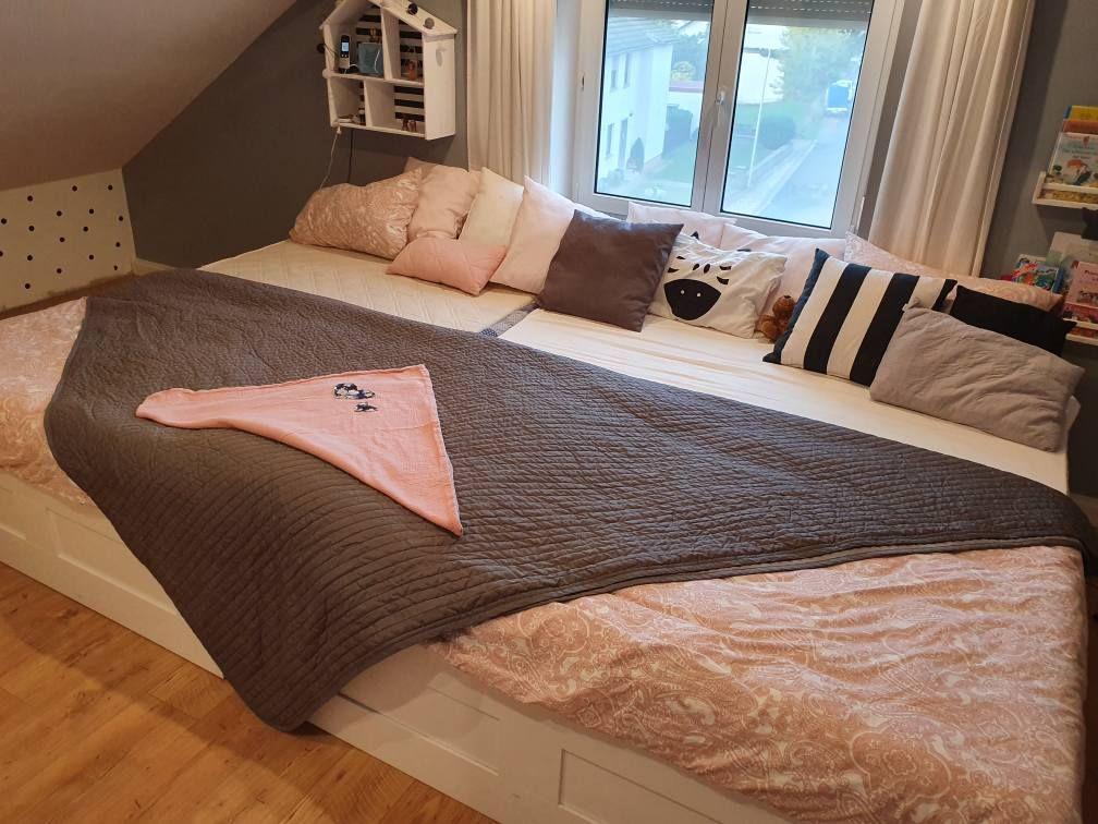 Familienbett Ikea Brimnes Einfach Zusammenschieben Und Fertig In 2020 Familien Bett Familienbett Bett