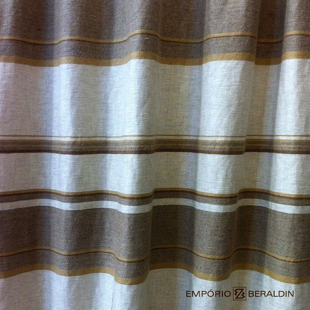 Tecido 100% linho para uso em estofados e cortinas.