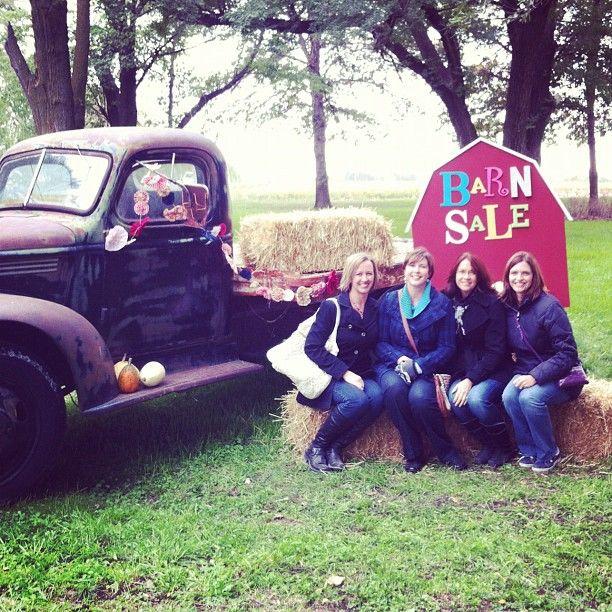 Kansas Barn Sale Cute Cottage Market Flea Market Finds Barn Flea Market Displays