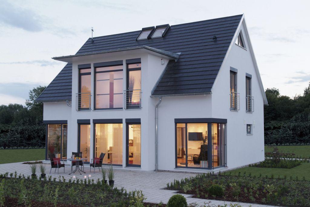 FertighausWelt am Flughafen Hannover in 2020 House roof