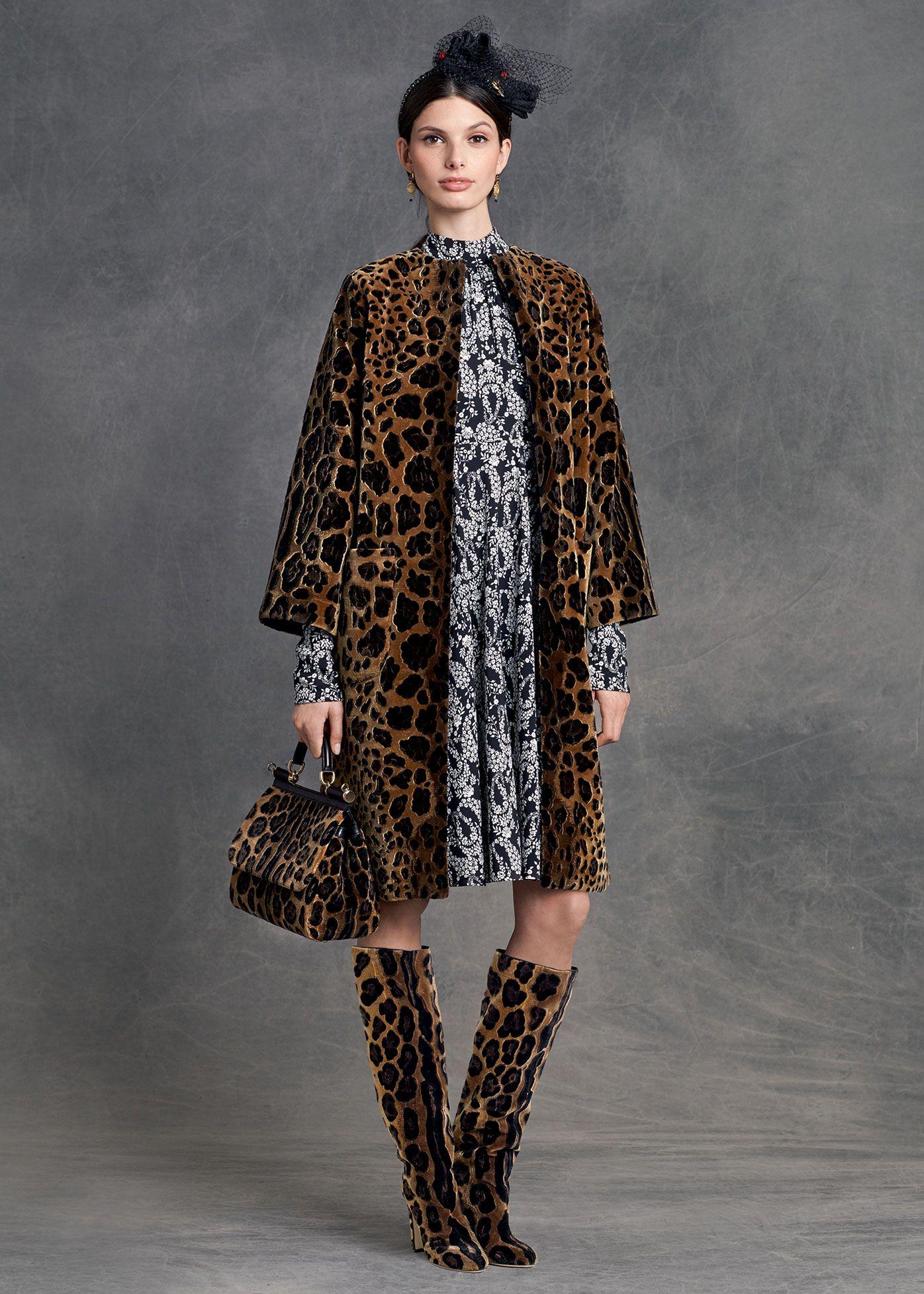 Dolce   Gabbana Abbigliamento Donna Inverno 2016 Abiti Con Immagine Di  Animali e8767947df4