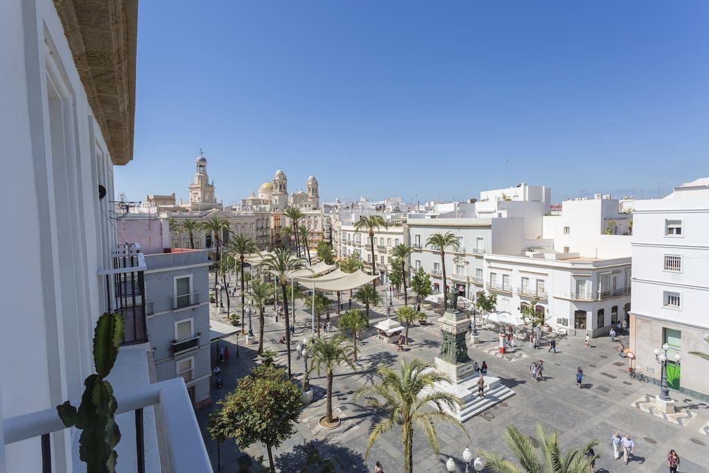 Échale un vistazo a este increíble alojamiento de Airbnb: El Balcón de MORET…