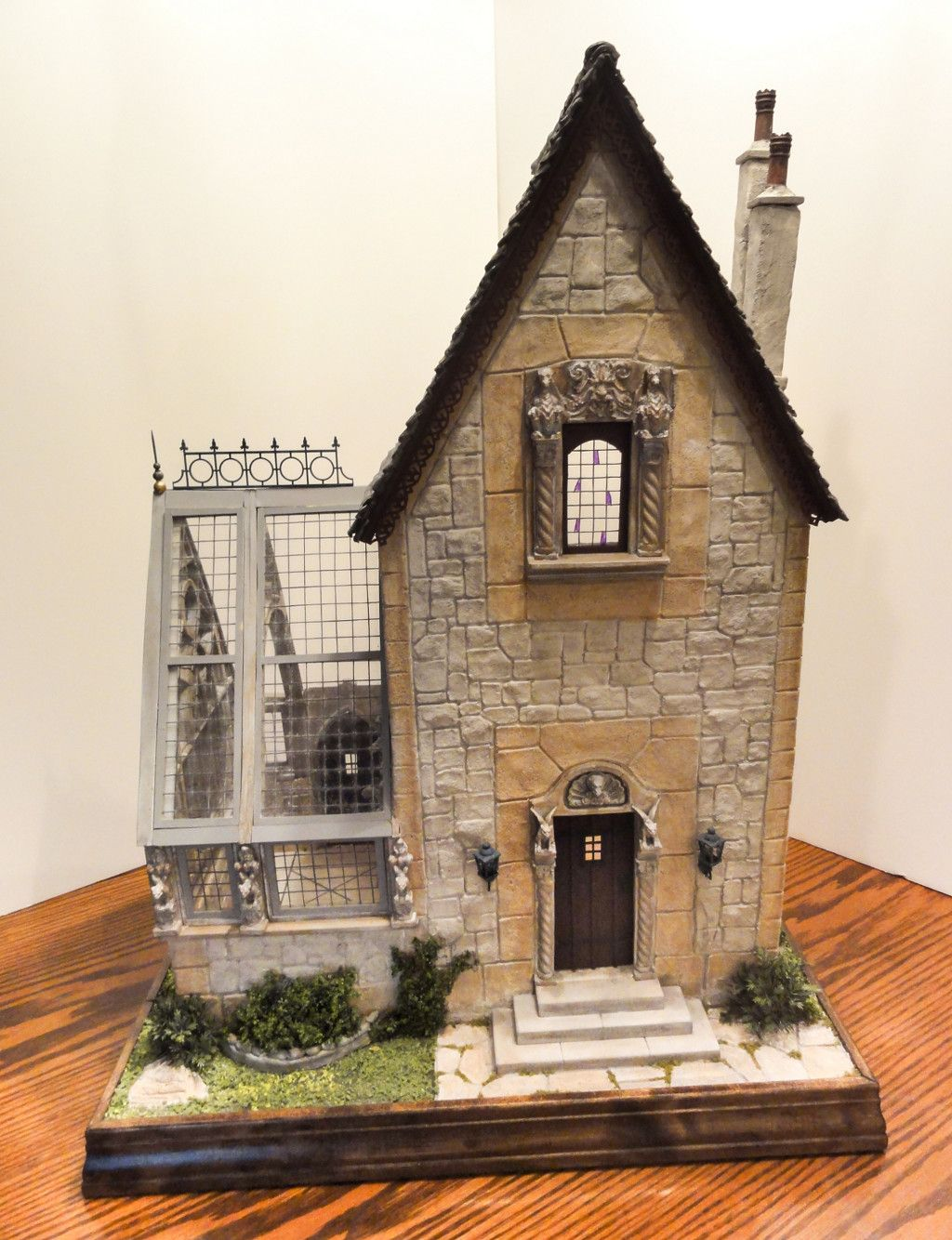Medieval Hunting Lodge And Conservatory Re Pinned From Miniature House By BE