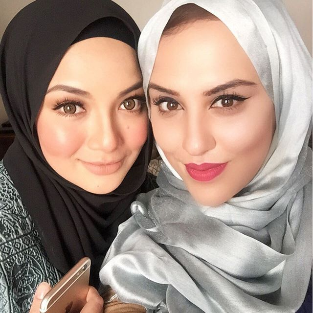 With The Ever So Lovely Beautiful Mashaallah Neelofa When I Interviewed Her For Britishmuslimtv Sistershour Not Long Fashion Beautiful Hijab Muslim Girls