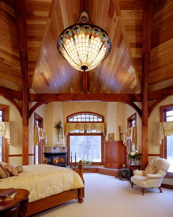 Wood Decoration in Traditional Bedrooms