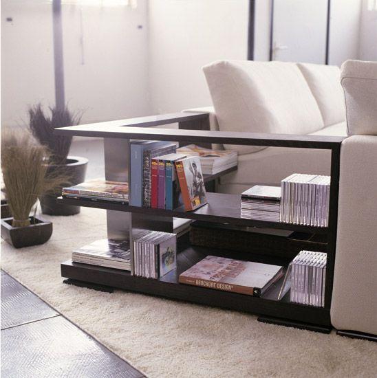 Il tavolino in legno sostituisce l 39 elemento angolare del for Tavolini per ufficio