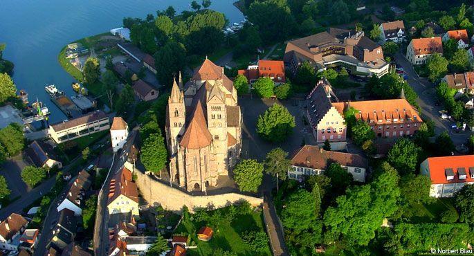 Leben und Arbeiten in Breisach – Lufaufnahme des St. Stephansmünster