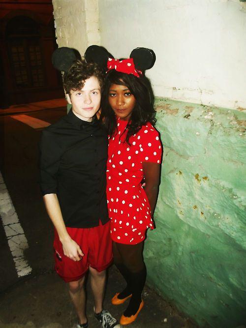 Minnie <3 Mickey!  Follow me: palpableabsurdity.tumblr.com