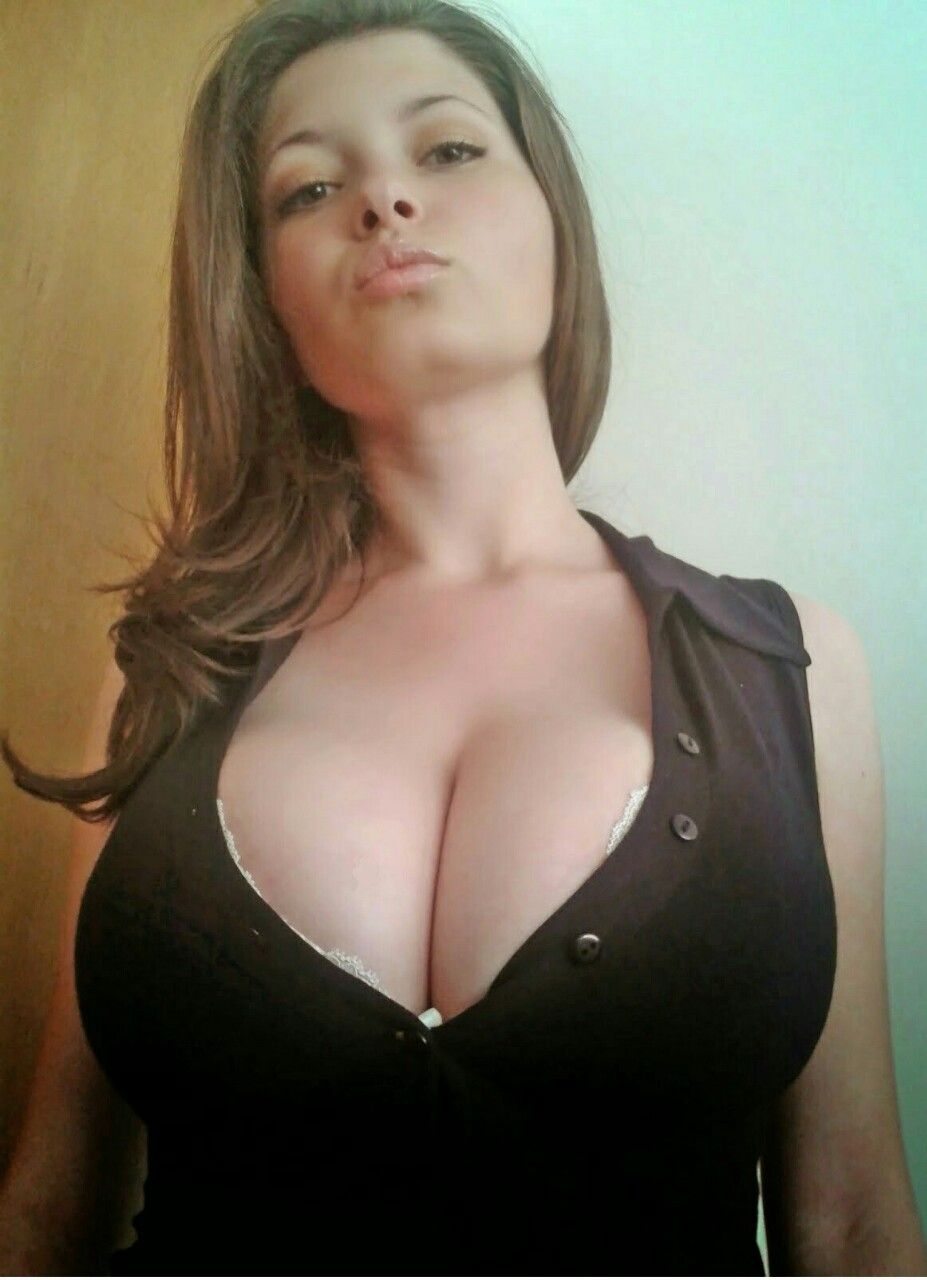 Busty girls photos