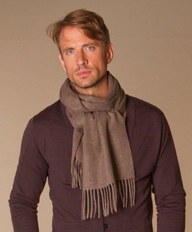 Wie man den Schal der Männer trägt - Mode und Kleidung