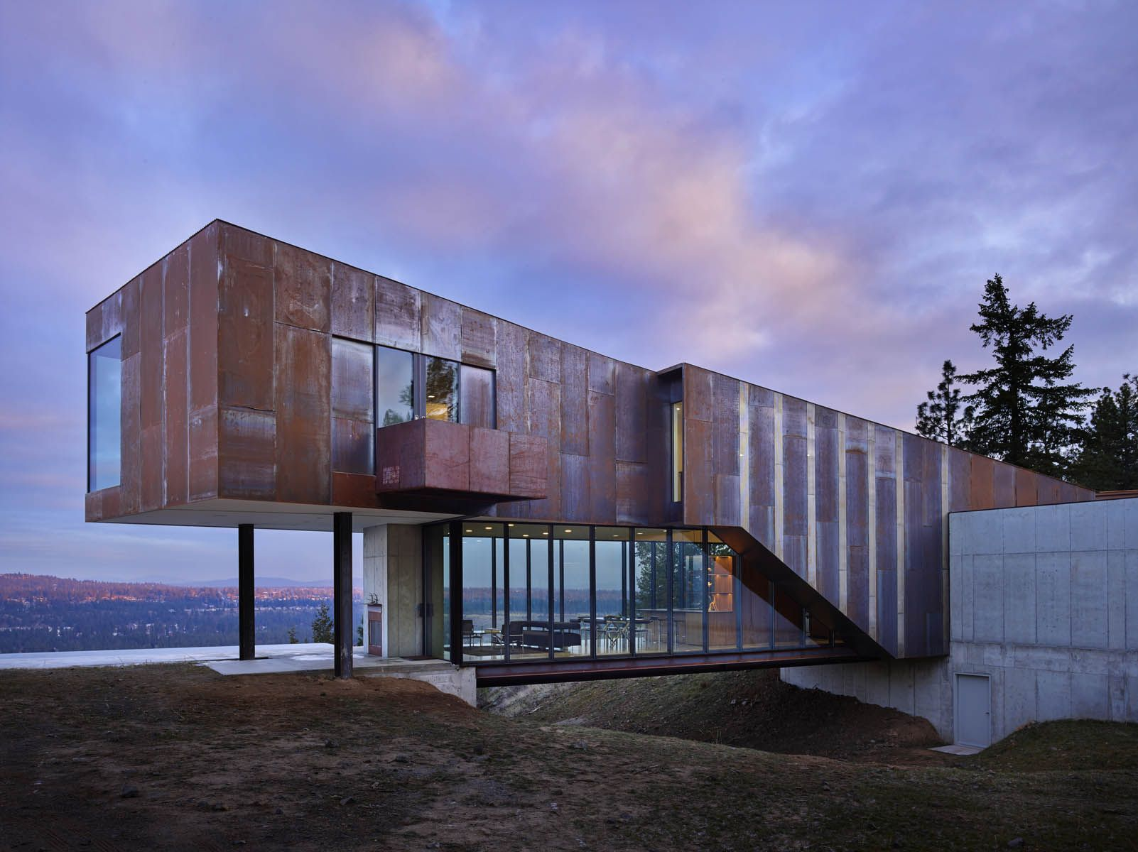 The Rimrock House by Olson Kundig, photo by Benjamin Benschneider ...