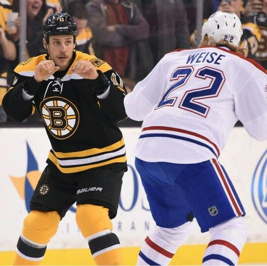 Campbell Drops The Gloves With Weise 11 22 14 Boston Hockey Bruins Hockey Nhl Hockey