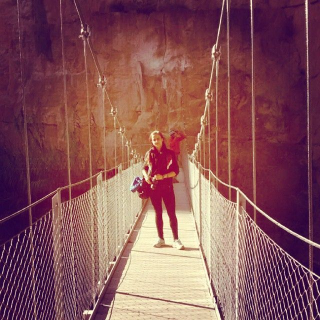 In the #suspensionbridge. #hiking all day looking for the #cavepaintings in the #trails of #chulilla and doing photos.