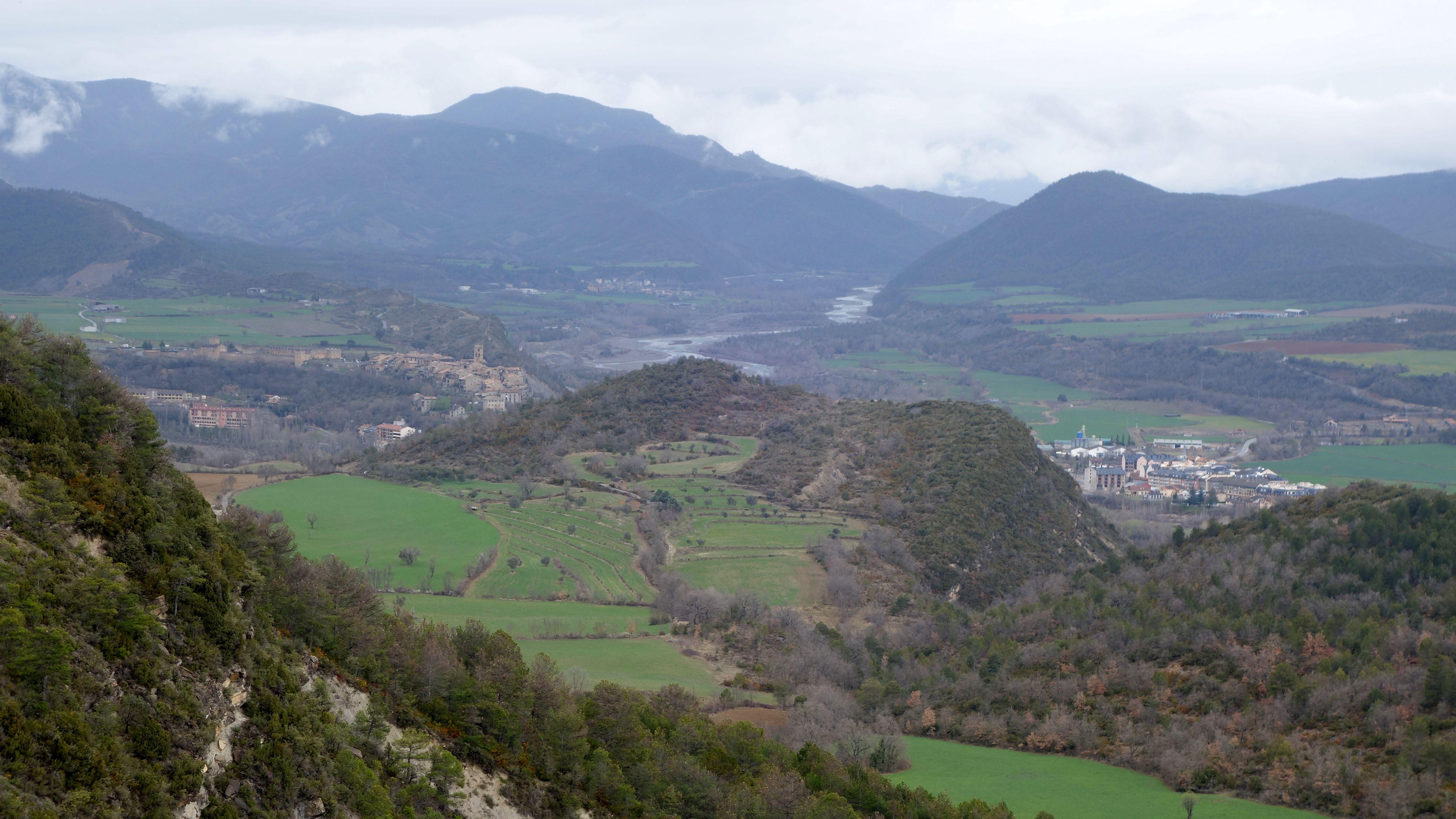 L'Aínsa, Labuerda y el curso del río Cinca desde el Cerro Cotón (730 metros)