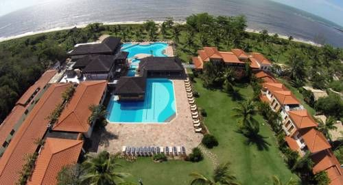 Costa Brasilis Resort e Spa Santo Andr� (Bahia) Situated on the Atlantic coast, Costa Brasilis Resort e Spa occupies a secluded location with direct beach access. It features an outdoor pool, tennis courts and free internet access in public areas.