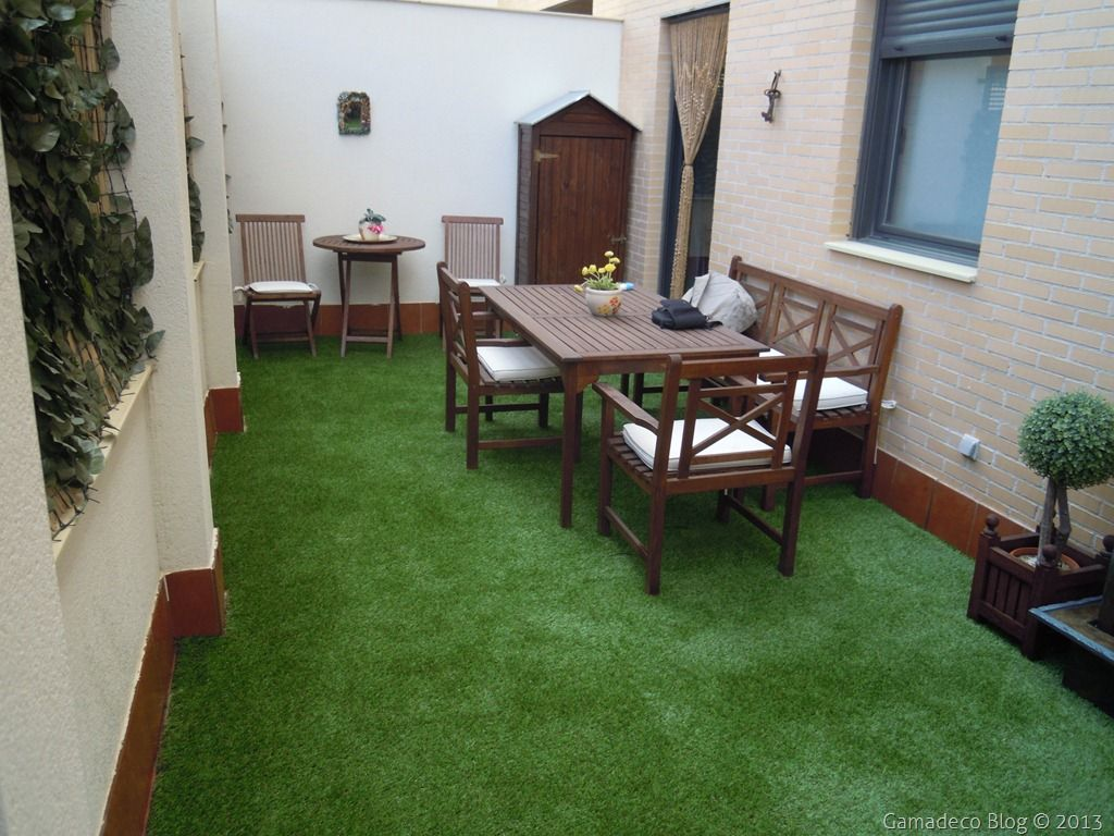 Trend dec decorar la terraza con c sped artificial - Terrazas con cesped artificial ...