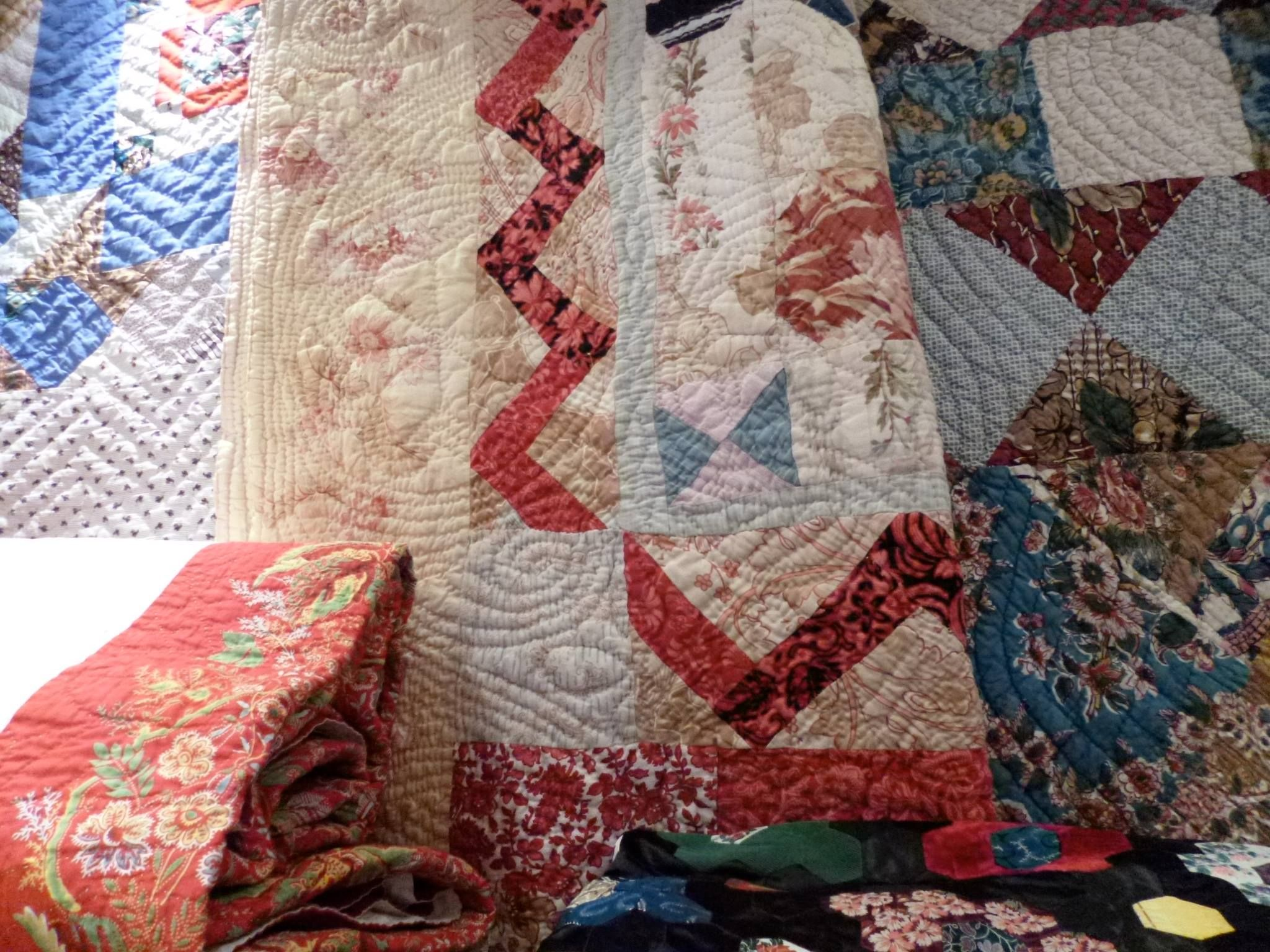Love The Muted Colours Here Source Willemke Vidinic Whole Cloth Quilts Vintage Quilts Antique Fabrics