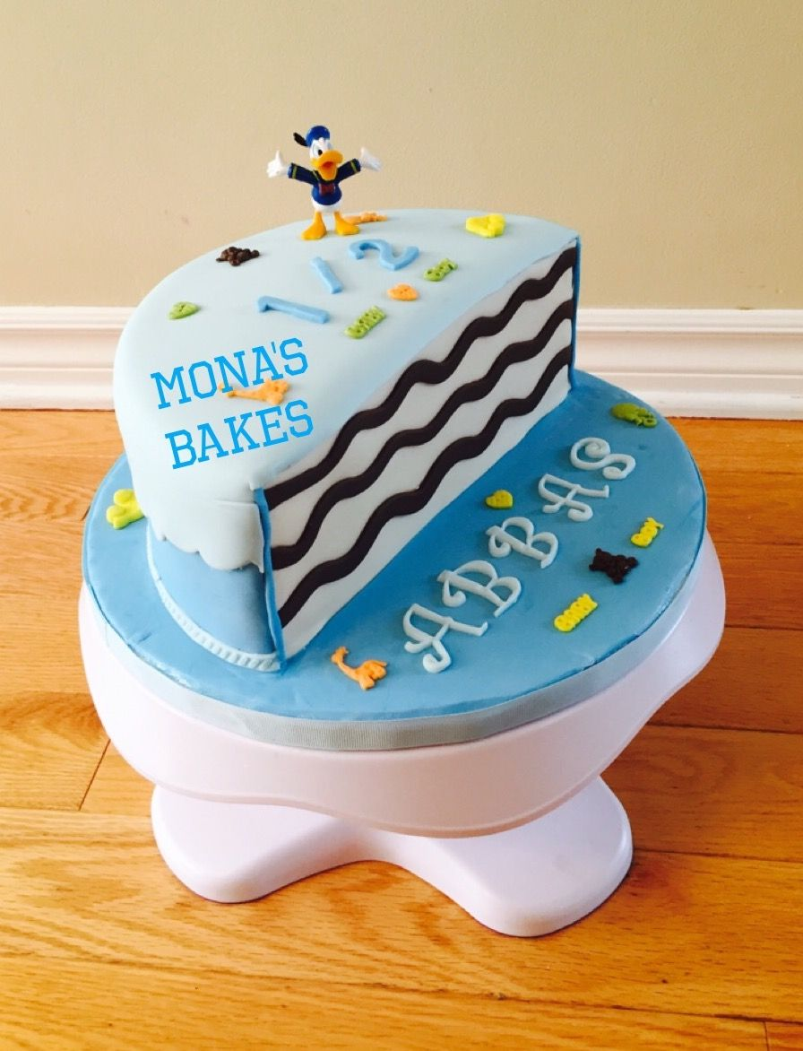 HALF CAKE 6 months Birthday Cake Monas cakes Pinterest