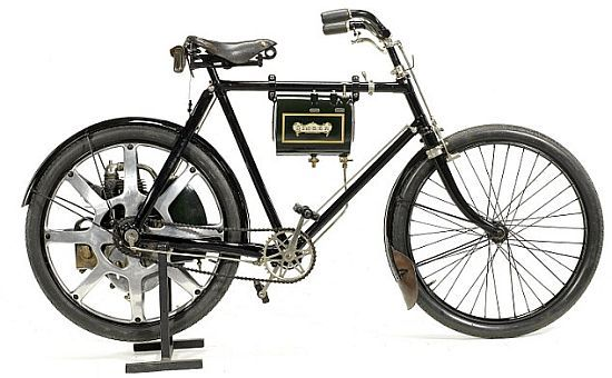 One of the world's first motorcycles from 1899 goes on