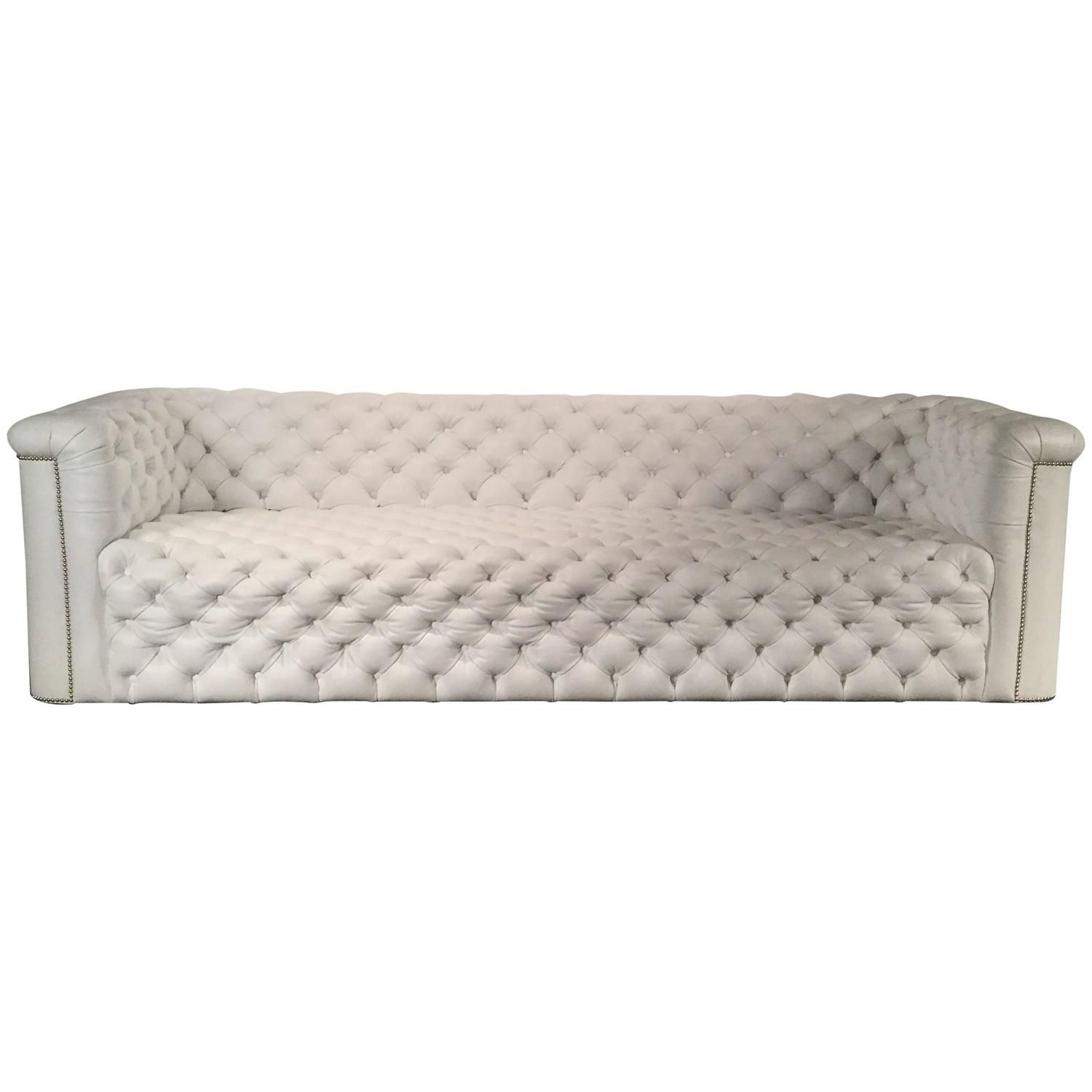 White Leather Chesterfield Sofa by Luigi Gentile