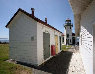 Alki Point Lighthouse, Washington at Lighthousefriends.com