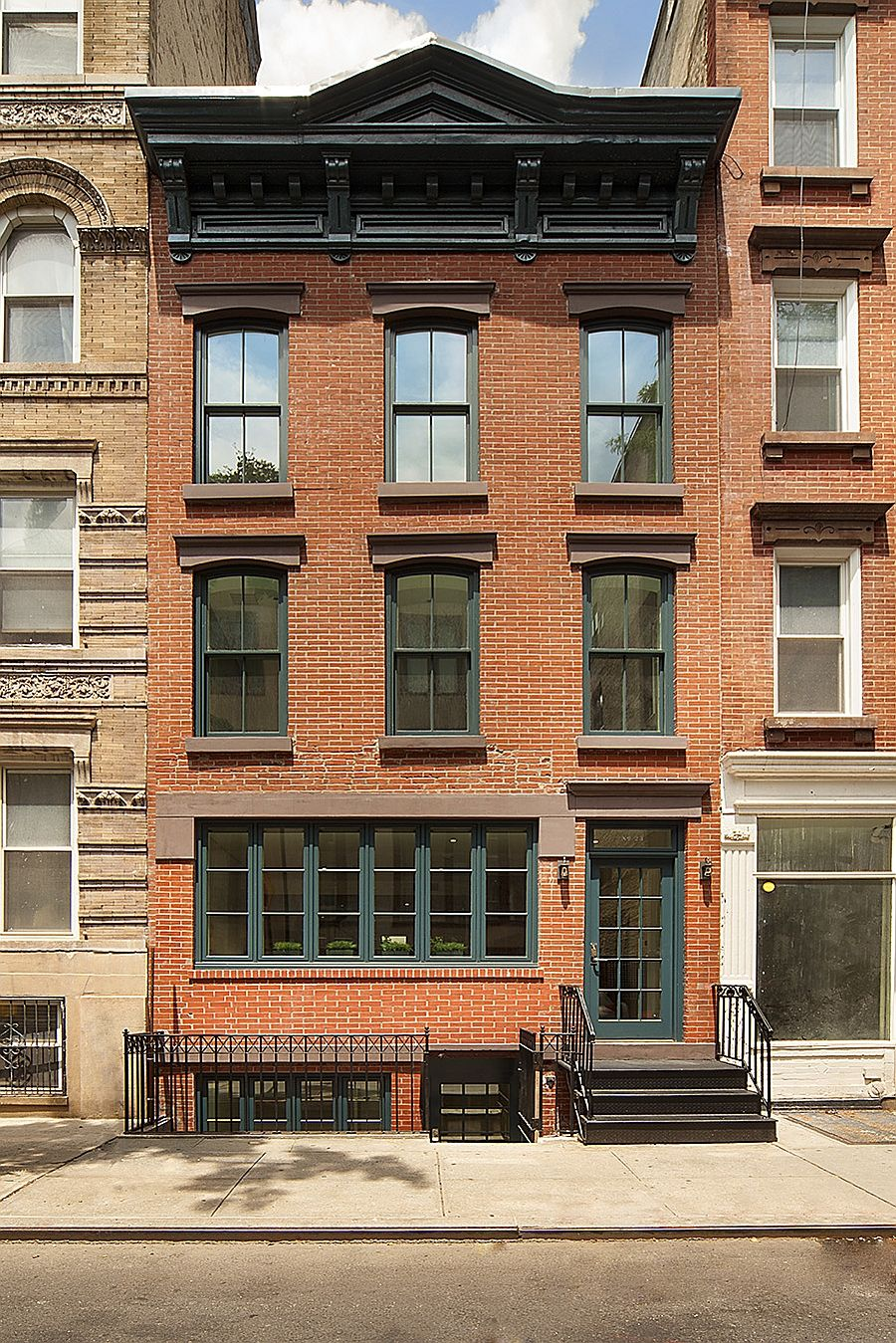 Historic new york city townhouse renovated into a modern for Townhomes for sale in nyc