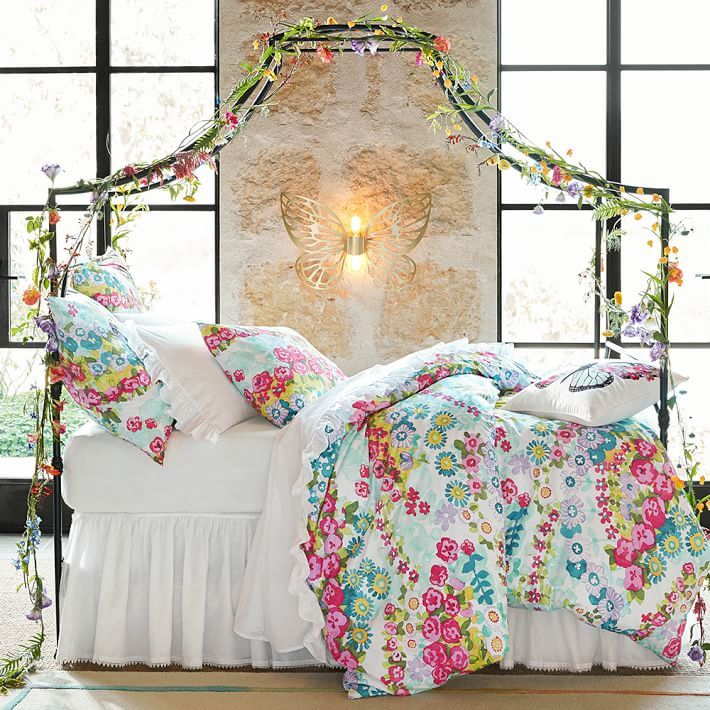 3 Kind Of Elegant Bedroom Design Ideas Includes A: Maison Canopy Bed, Queen, Gold