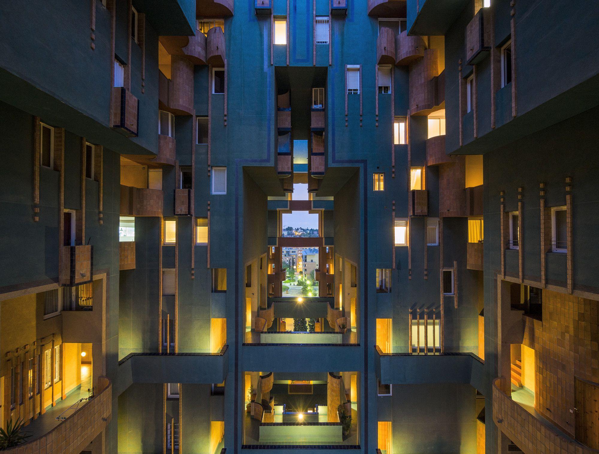 Clásicos de Arquitectura: Walden 7 / Ricardo Bofill | ArchDaily Colombia