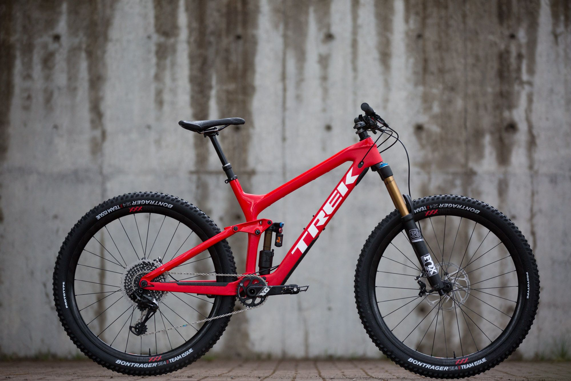 Trek S New Slash 29 Enduro Weapon Flow Mountain Bike