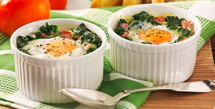 Rezept Ei auf Blattspinat im Töpfchen