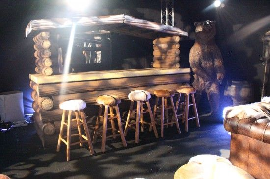 log fronted bar snowy roof apres ski themed party prop. Black Bedroom Furniture Sets. Home Design Ideas