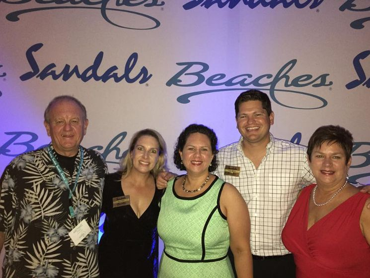 The Sand Lady from Royal Travel is a local @sandalsresorts Preferred Sandals Agency servicing Knoxville, Chattanooga, Tri-Cities and Nashville markets, and they just won the Chairman's Outstanding Sales Achievement Award! Click to read more. | The Pink Bride www.thepinkbride.com