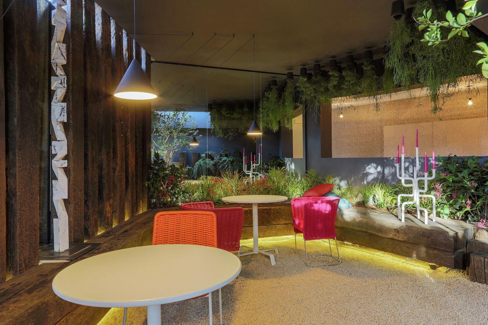 RHYZOMA_propone un jardín cubierto por un techo vivo cuyo recorrido ...