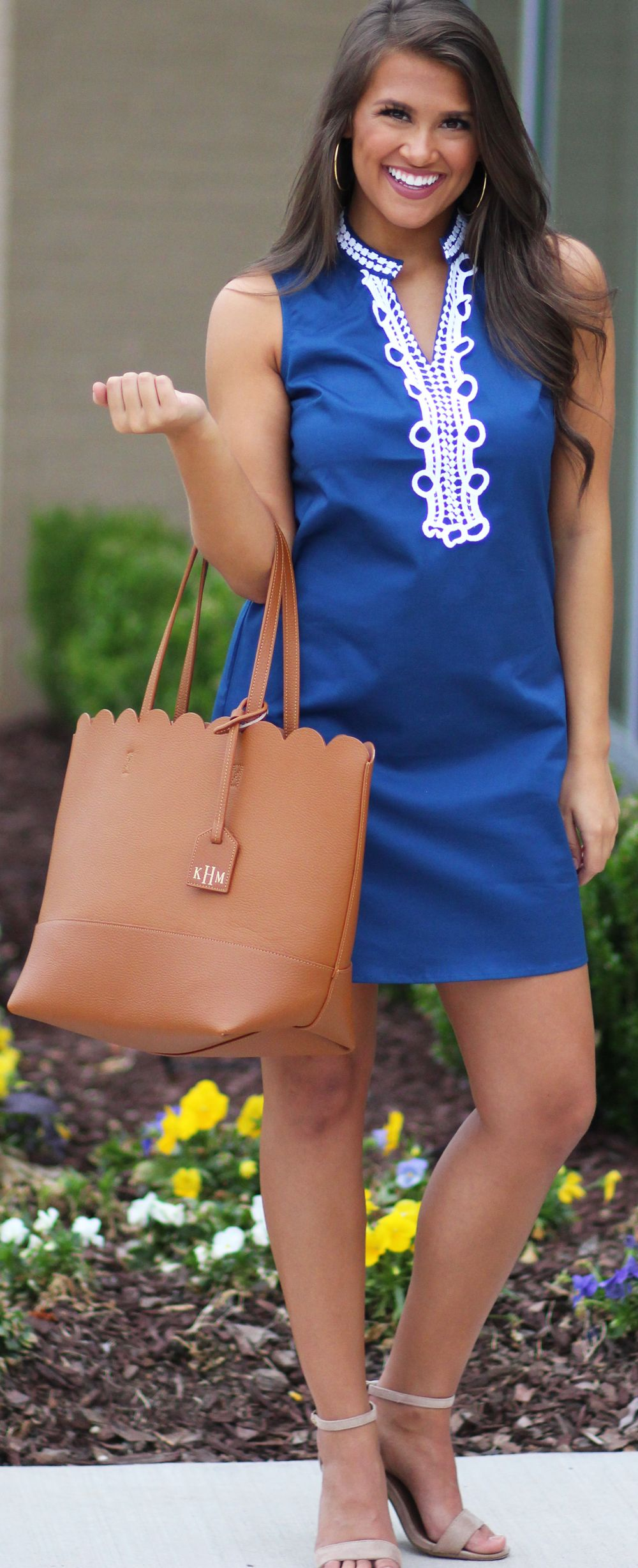 Monogrammed Scallop Tote Bag Cute teacher outfits